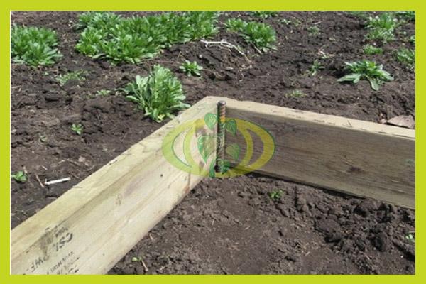 Фиксация положения деревянной рамы